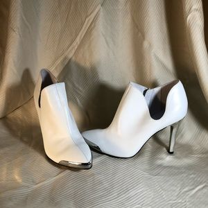 Chinese Laundry White Leather Booties